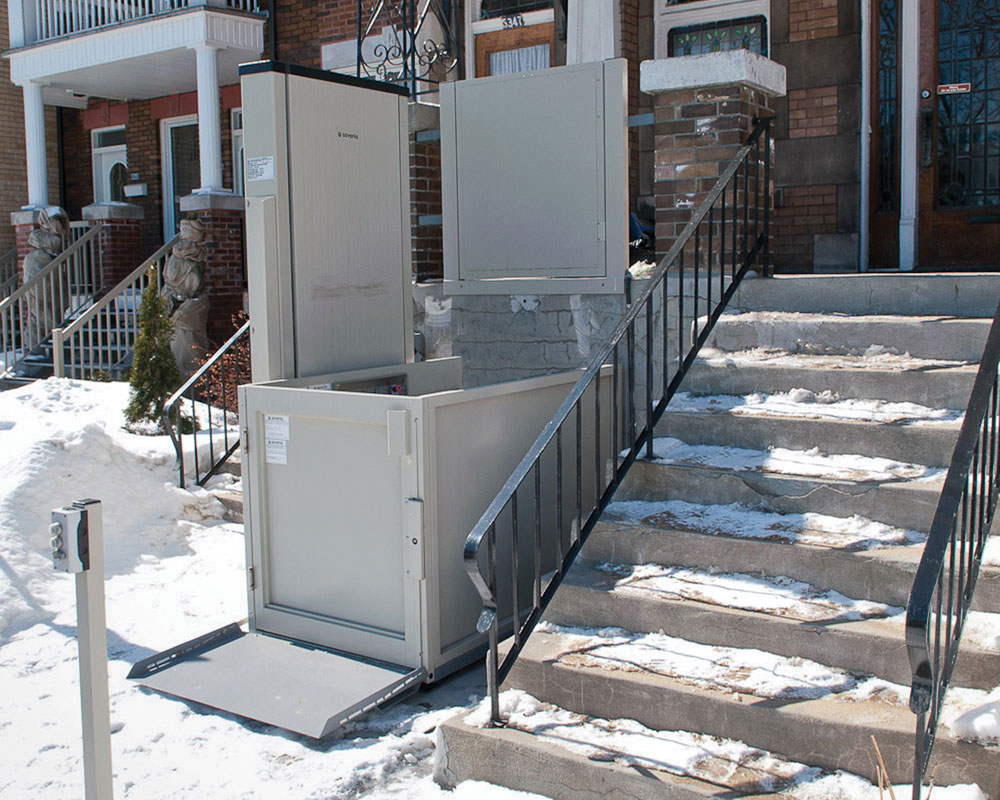 Savaria Multilift Wheelchair Lift
